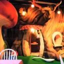 SNS映え間違いなし! 「小人の家」や「白雪姫の魔法の鏡」 で特別な一枚をゲット!