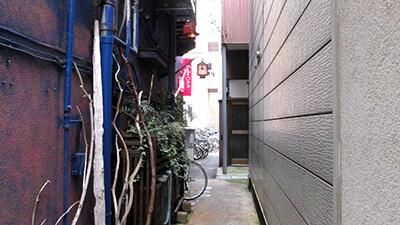 【人気記事】中華街の極セマな裏路地にある隠れ家的なお店に潜入