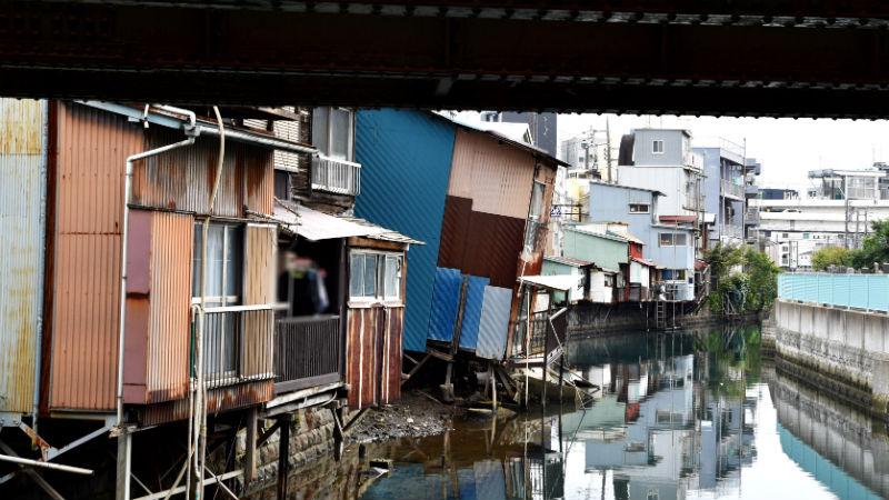 東神奈川の傾いた家、所有者が代執行間近に現れたため一時中断 - [は ...