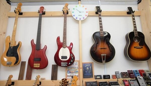 guitars-article003