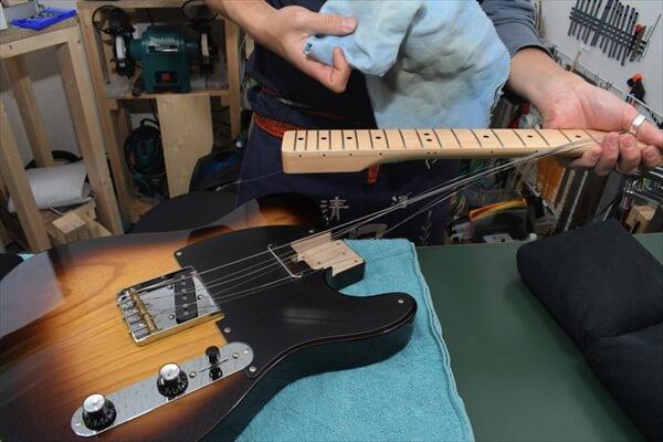 guitars-article008